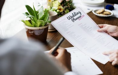 Expert Tips on How to Make a Wedding Planning Timeline