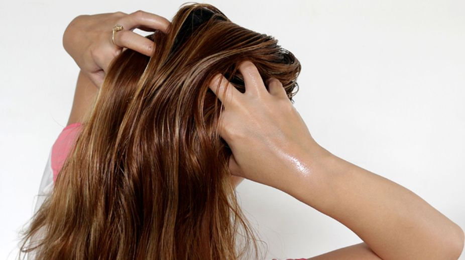 Best Home-Made Remedies for Dry and Brittle Hair