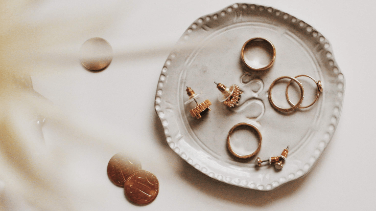 Tips on Building a Capsule Jewelry Wardrobe