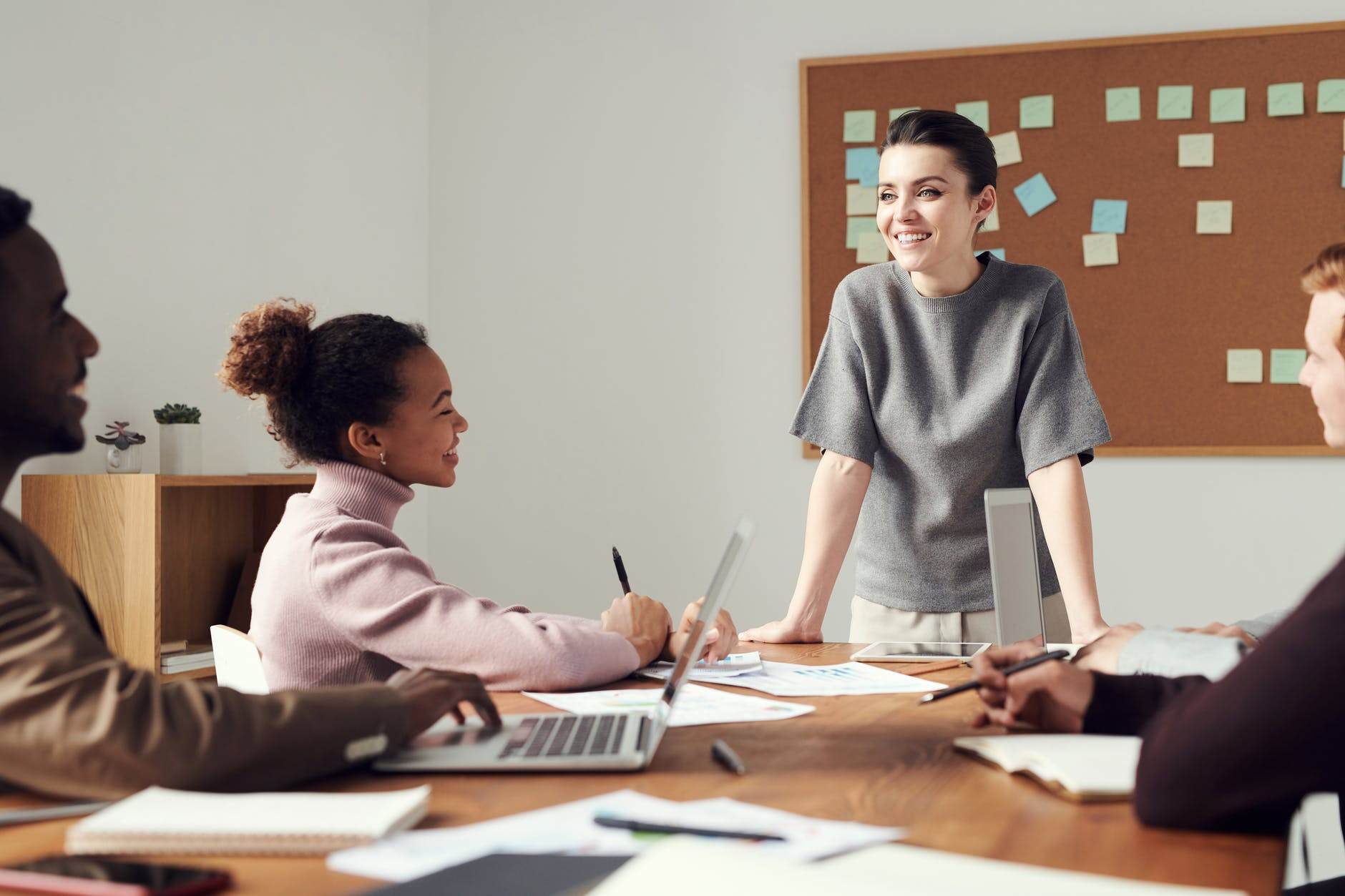 7 Tips For Women Who Want To Lead The Show At Work